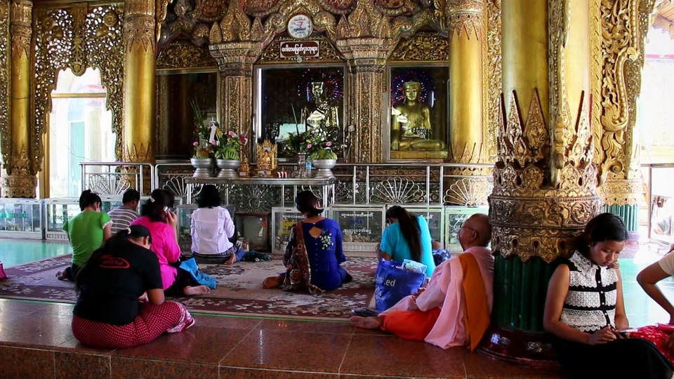 Dokument Barma - Rangún, Mandalaj a královská města